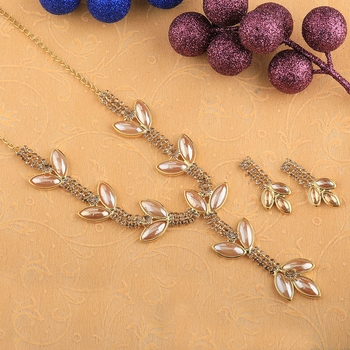Goldplated Traditional Golden leaves And pearl Necklace set  for women jewellery