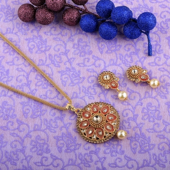 Attractive Goldplated Traditional Necklace Pendant  Set  For Women Jewellery