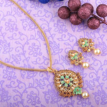 Royal Goldplated Traditional Necklace Pendant  set  for women jewellery