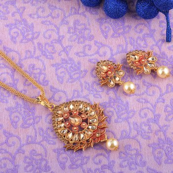 Exclusive Goldplated Party wear Necklace Pendant  set  for women jewellery
