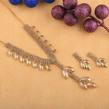 Exclusive Goldplated Traditional Golden leaves And pearl Necklace set  for women jewellery