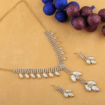 Exclusive Goldplated Traditional White leaves And pearl Necklace set  for women jewellery