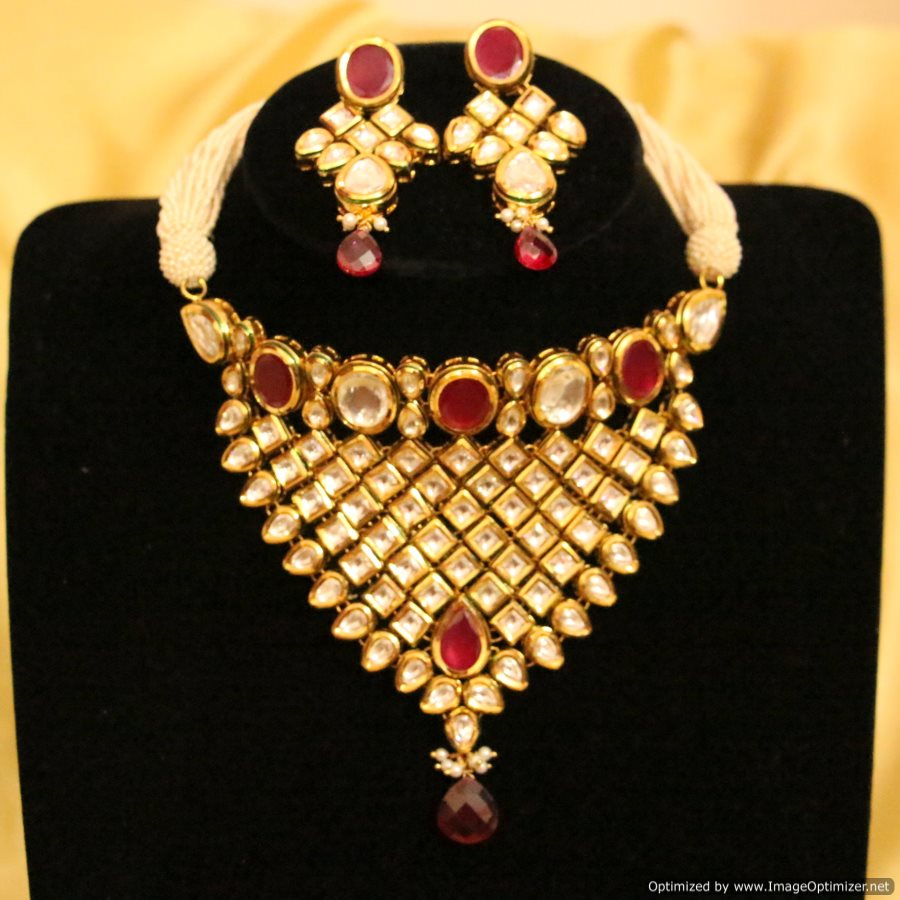 d0e307fb59f Royal Ruby Kundan Meenakari Choker Necklace Set - Sanvi Jewels Pvt. Ltd. -  433312