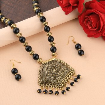Charm Gold Oxidised Pendant Black Pearl mala set for Women girl