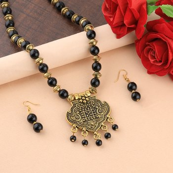 Attractive Gold Oxidised Pendant Black Pearl Mala Set For Women Girl