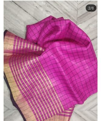 Pink Woven Linen Handloom Saree With Blouses