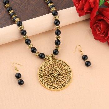 Stylish Designer Gold Oxidised Big Pendant Black Pearl mala set for Women girl