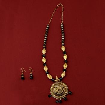 Adjustable Designer Gold Oxidised Round Pendant Black Pearl mala set for Women girl