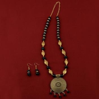 Adjustable Alegant Stylish Gold Oxidised Pendant Black Pearl mala set for Women girl