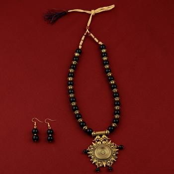 Elegant Adjustable Gold Oxidised Pendant Black Pearl mala set for Women girl