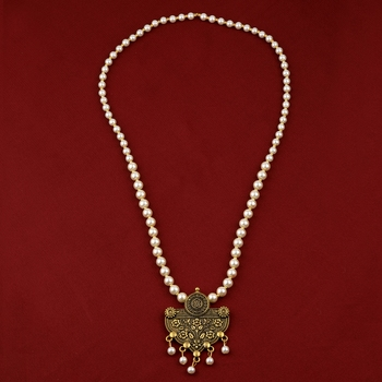 Attractive Delicated  Gold Plated With Pearl  Pendant mala set for Women girl
