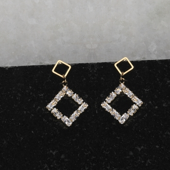 Gold Plated Fashion Party Wear Stud Earring For Women Girl