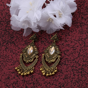 Fashion Delicated Patry Wear Golden Dangle Earring For Women Girl