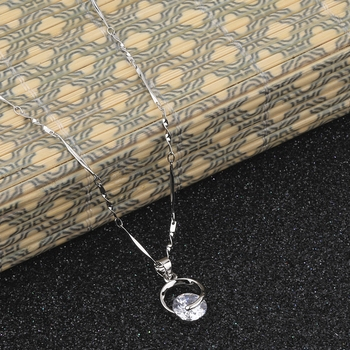 Silver Plated Delicated Stylish Chain Solitaire Diamond Pendant For Women