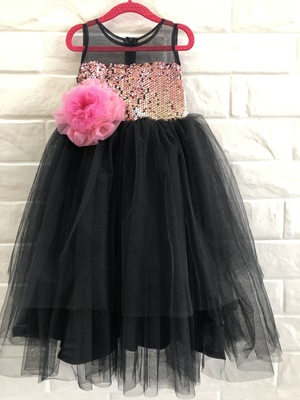 BLACK FLAIRED GOWN