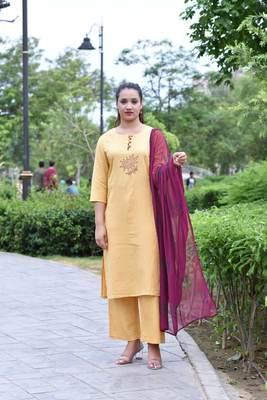 Yellow Stylish Women Reyon Flax Heavy Block Printed kurta Palazzo set with Block print naznin Duppata