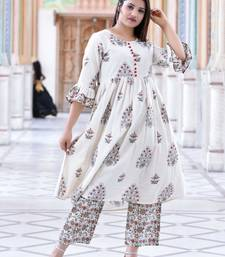 off white Stylish women pure  Cotton  Floral Printed Kurta with Pallazo  Set