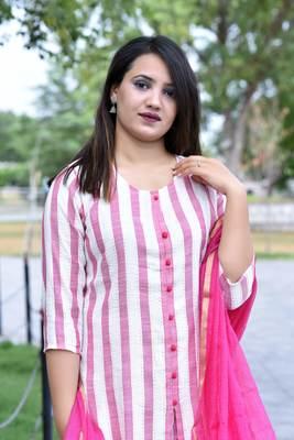 Pink Stylish Women 3 piece Straight loom made Rayon Kurta pallazo set with Heavy Banarsi Duppata