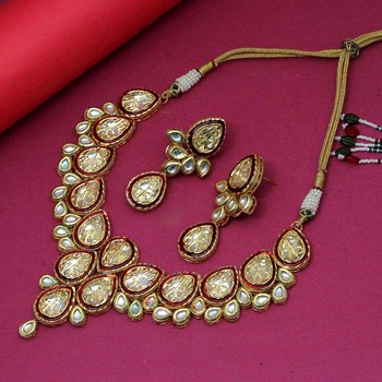 Maroon necklace-sets