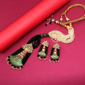 Green necklace-sets
