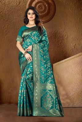 Green Woven Kanjivaram Silk Saree With Blouse