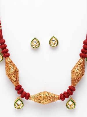Red kundan necklace-sets