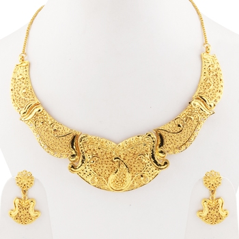 Attractive Gold Plated Traditional Jewellery Set For Women Girl