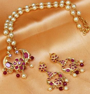 Gorgeous  Semi Precious Stone Necklace Set