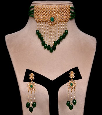 Kundan and Emerald Stone Embellished Designer Neckpiece 317FNN161