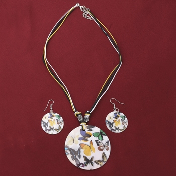 Party Wear Butterfly Designe Round Pendant Set For Women Girl