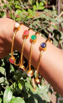 set of four multicolor studs bangles