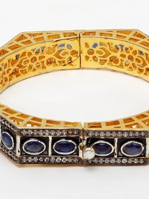 Stylish Blue Bracelet