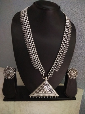 Tribal Silver Strap Necklace Set