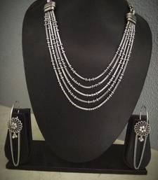 Layered necklace with loop earring