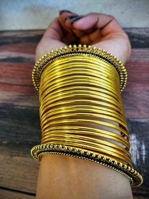 2+22 Golden Bangle Set