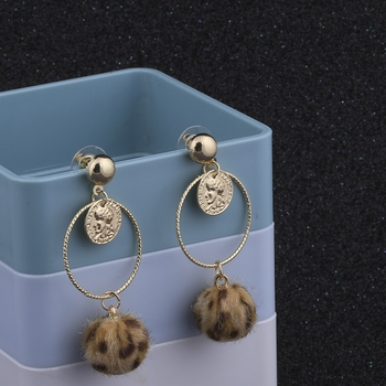 Attractive Gold Plated Stylish Party Wear Dangle Earring For Women Girl
