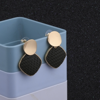 Stylish Party Wear Different Designe Studs Earring For Women Girl