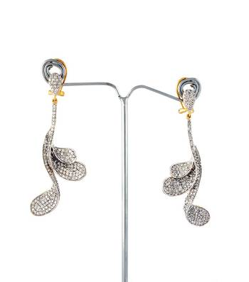 Sihiri Beautiful Swan Earrings