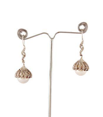 Sihiri Pearl Drop Earrings