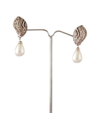 Sihiri Imperial Pearl Drop Earrings