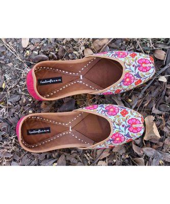 Pink Punjabi Juttis, Pink Ballet Shoes, Indian Bridal Shoes, Indian Khussa Shoes