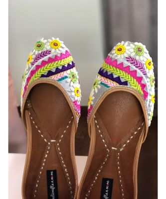 Grey Wedding Shoes, Embroidery Bridal Footwear,Colorful Ethnic Shoes for Wedding
