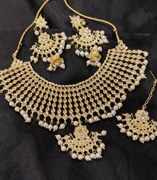 Bridal Kundan Necklace Set with Maangtika