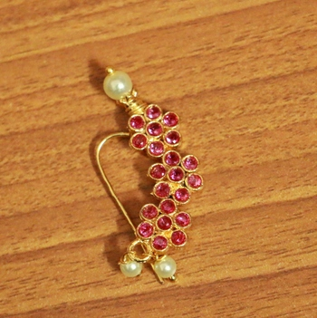 Red Ruby       Nose-Ring