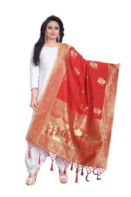 Red Women's Banarasi silk Dupatta