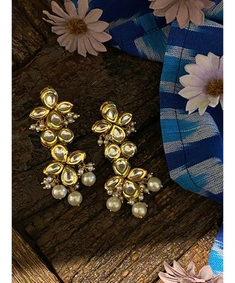 Gold Tone Kundan Inspired Earring With Pearls