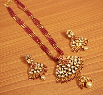 Red Ruby       Necklace-Sets