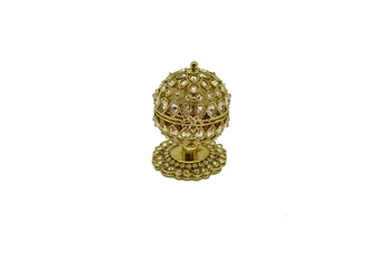 Gold cubic zirconia jewellery-box