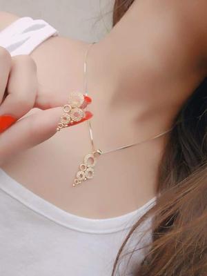 Gold diamond necklaces