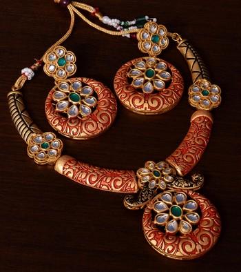 Kundan Embellished Red Meenakari Worked Designer Necklace 317FNN173